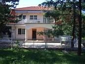 II/A Máriaremetén belső úszómedencés elegáns családi ház eladó