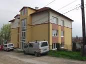Balatonalmádi központjában  luxushotel-, apartmanház eladó
