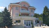 II. Guggerhegyen dunai panorámás, úszómedencés, kétlakásos luxusvilla eladó