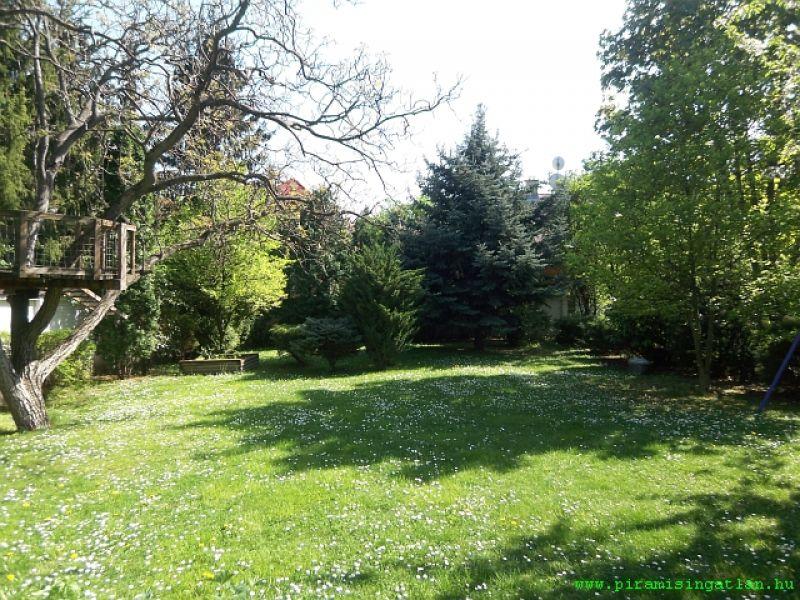 Eladó családi ház, Buda - II kerület határán, a Gugger ...